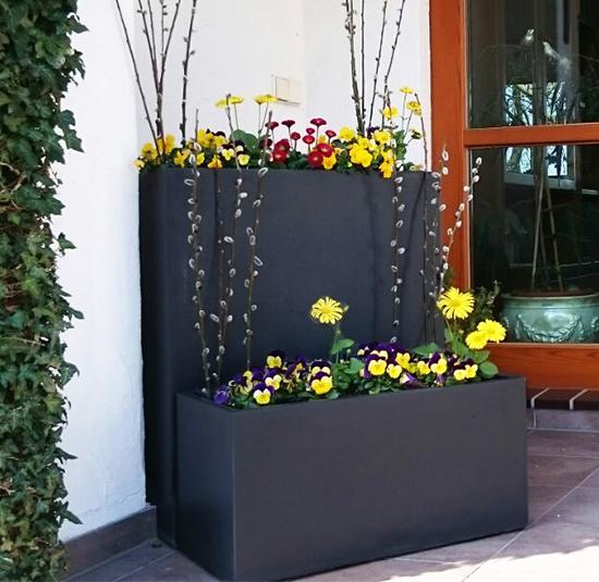 Blumenkästen und Gestaltungsmöglichkeiten für Balkon oder Terrasse