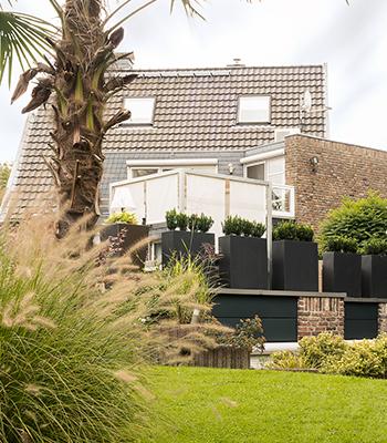 Große Pflanzenkübel für die Terrasse, Balkon und Garten