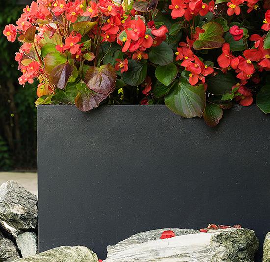 Eckige Pflanzkästen aus Fiberglas für ihren Garten - Pflanzwerk