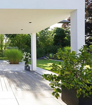 Garten gestalten mit günstigen Pflanzkübeln von Pflanzwerk®