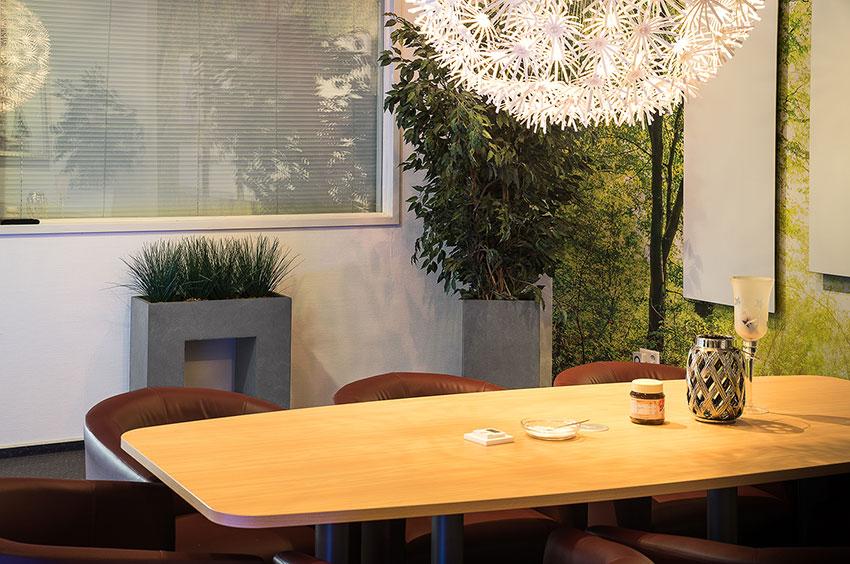 Produktivität steigern mit Pflanzkübeln im Büro und bei der Arbeit